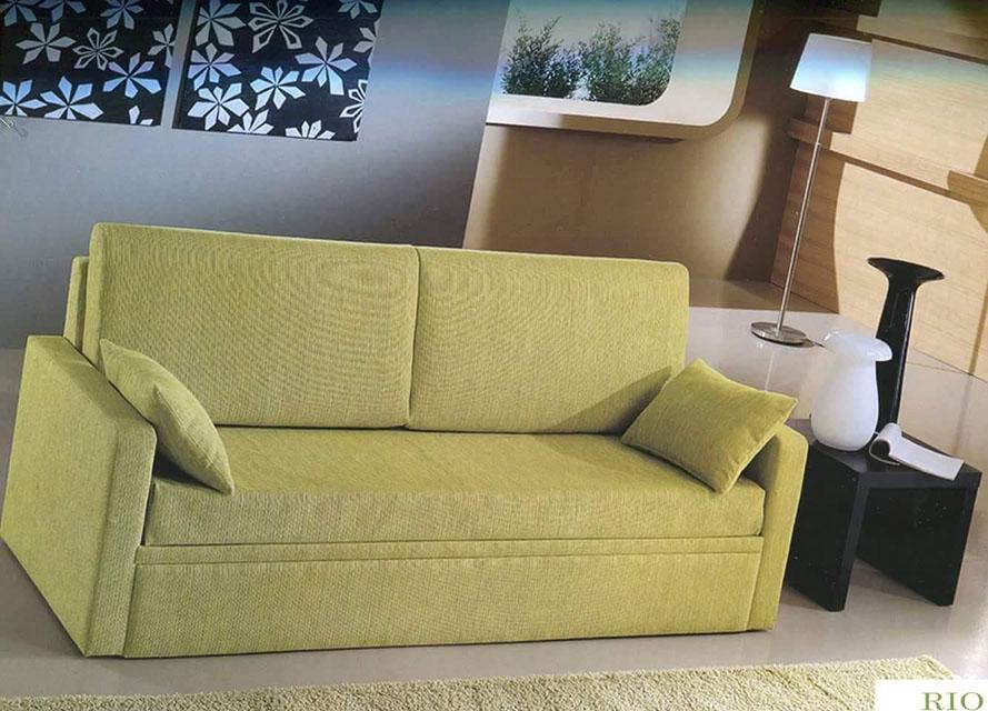 divano con rete estribile